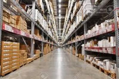 お仕事は、商品を集めて配送車まで運ぶだけです。